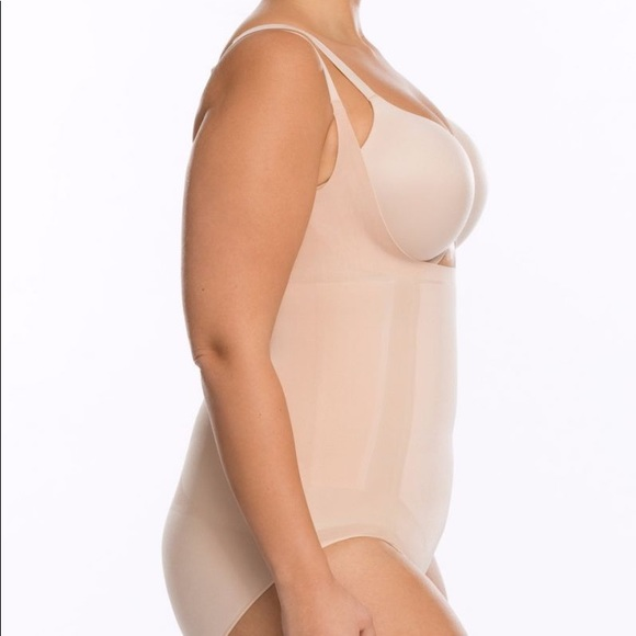 9e98b1e3ce5 OnCore Open-Bust Panty Bodysuit (Plus) in Nude. NWT. SPANX